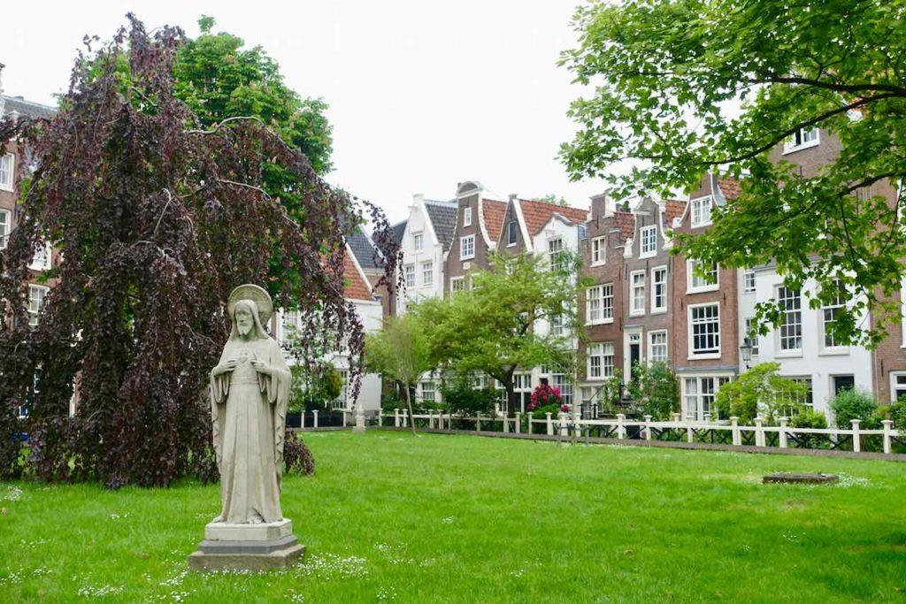 De Begijnhof - Versteckte Oase im Zentrum von Amsterdam