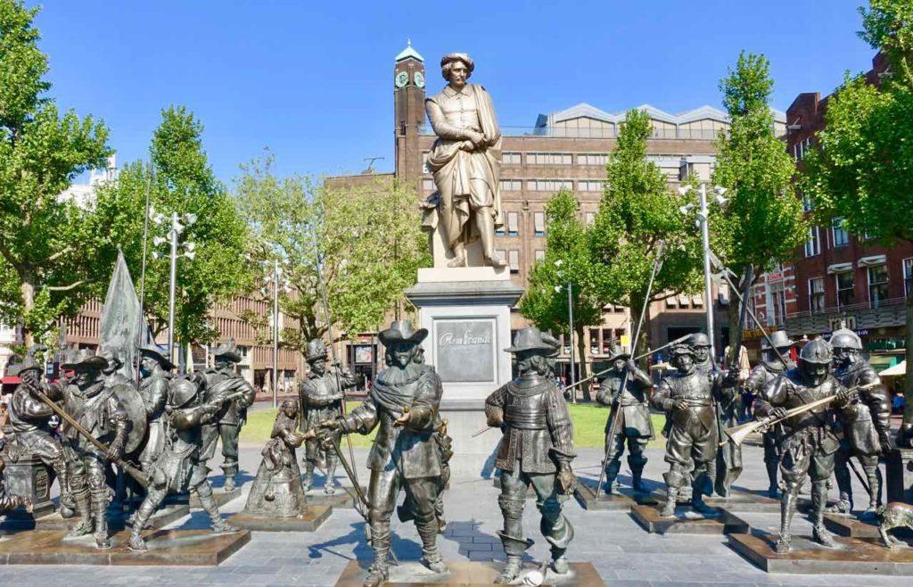 Denkmal auf dem Rembrandtplein in Amsterdam