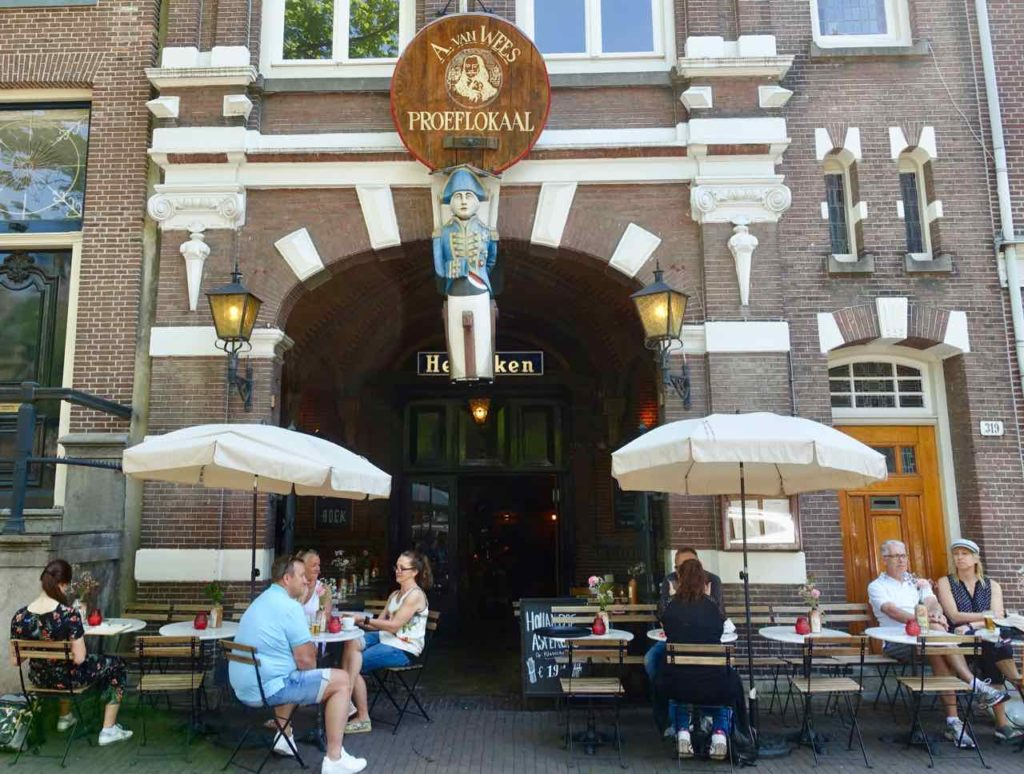 Ein traditionelles, uriges Lokal ist das Proeflokaal in der Herengracht 319
