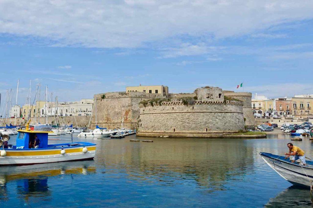 Gallipoli in Apulien, Hafen mit Burganlage