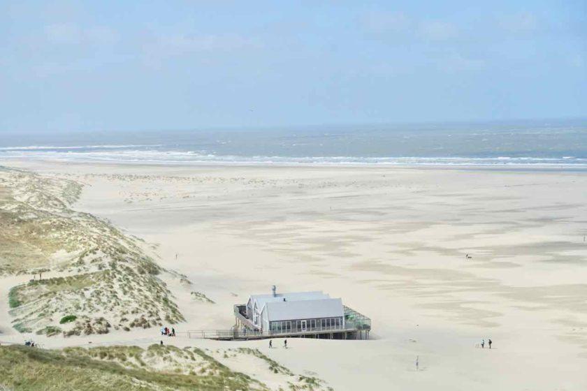 Urlaub auf der Insel Texel Strand mit Strandpavillon bei de Cocksdorp, Titelbild 3
