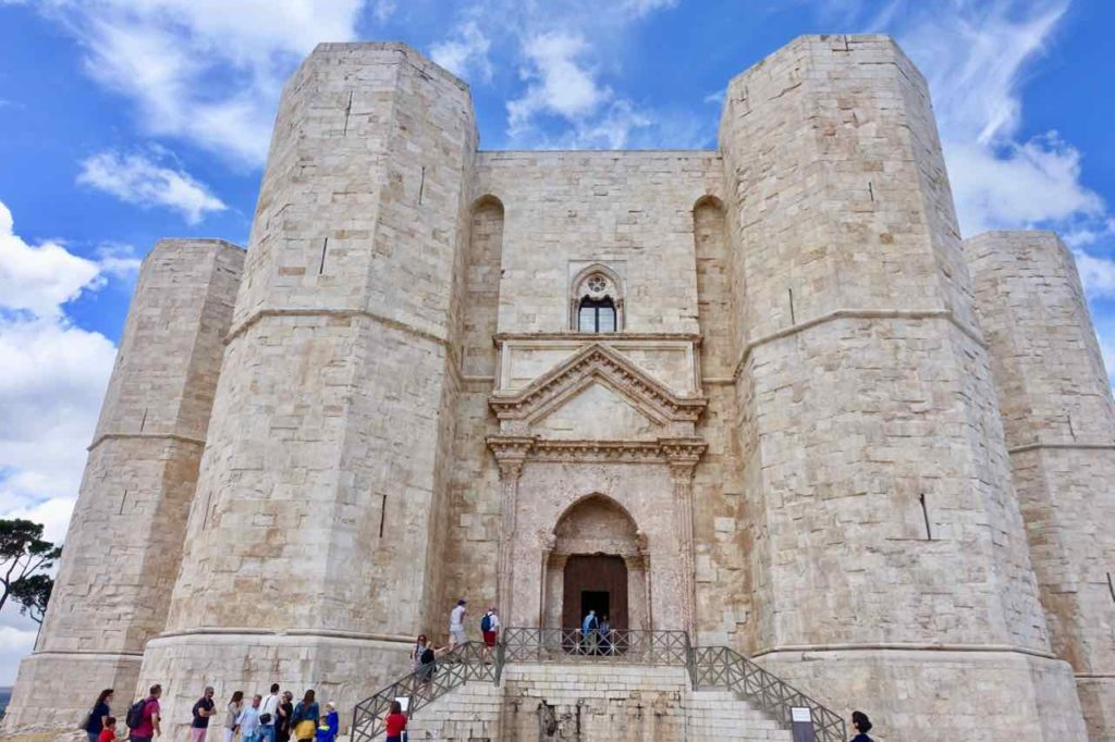 Apulien Sehenswürdigkeiten Castel del Monte bei Andria Foto Peter Pohle PetersTravel.de