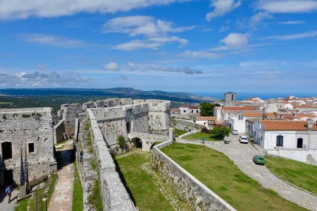 Castello di Monte St. Angelo, Apulien Foto PetersTravel.de Peter Pohle