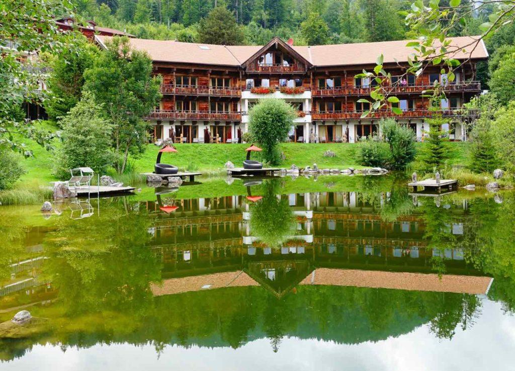Chiemsee Urlaub: Hotel Zum Feurigen Tatzlwurm in der Nähe von Oberaudorf Copyright Peter Pohle PetersTravel.de