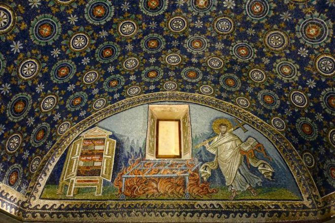 Mausoleum der Galla Placidia in Ravenna, Italien, Innen, Foto PetersTravel.de
