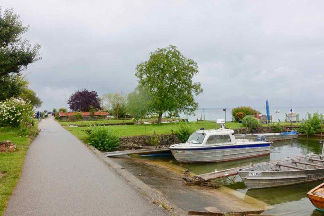 Chiemsee Tagesausflug: Fraueninsel, Rundweg am Ufer