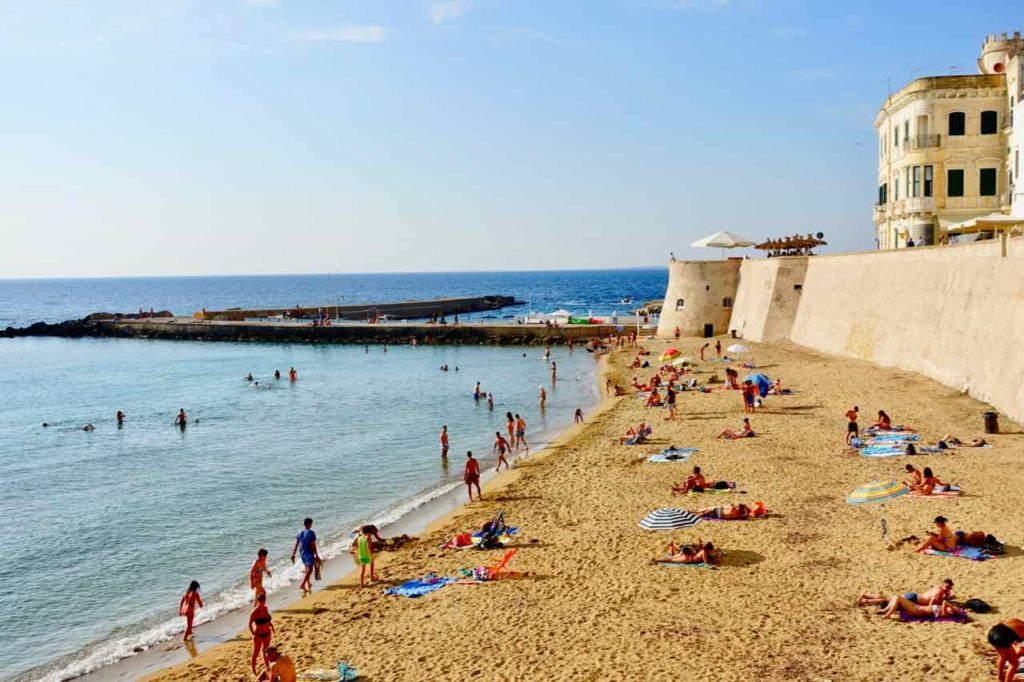 Apulien Strände: Gallipoli Stadtstrand, Italien