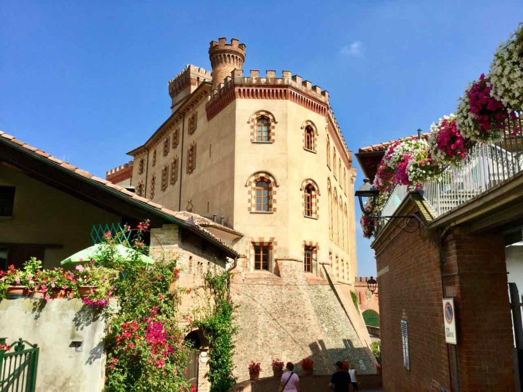 Barolo im Piemont, Das Weinmuseum ist im Schloss Faletti untergebracht, Foto Peter Pohle PetersTravel