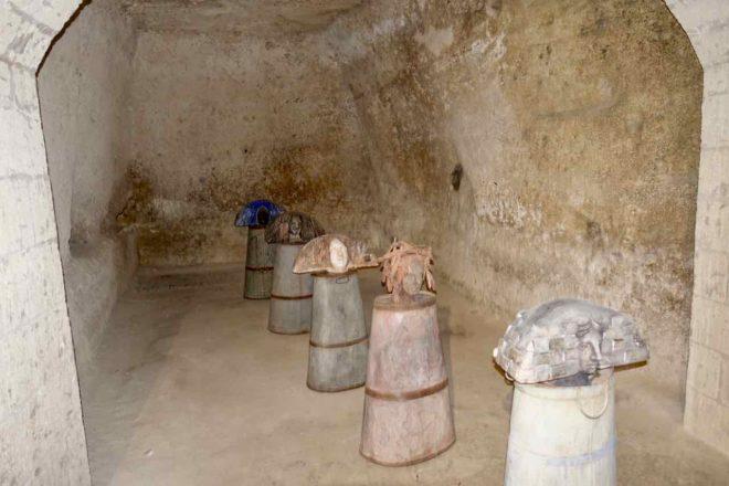 Matera: Kunstausstellung in der Höhlenkirche Madonna della Virtú e San Nicola dei Greci