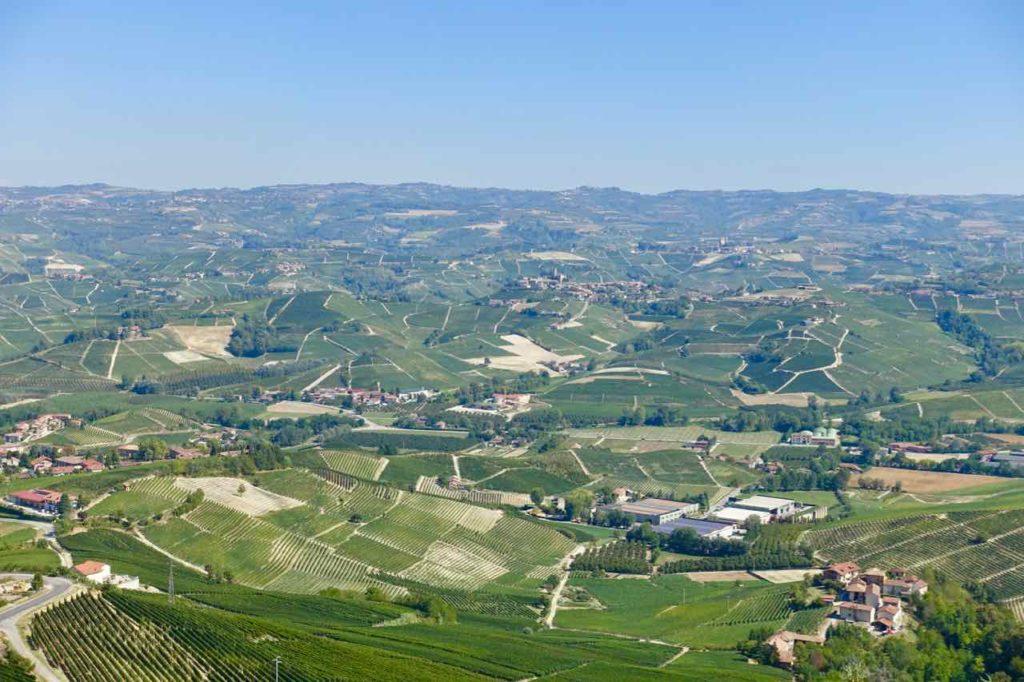 Piemont: Blick von La Morra über die weite Landschaft der Langhe Foto Peter Pohle PetersTravel