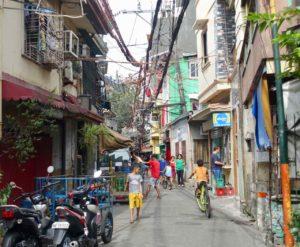 Manila, Gasse auf dem Weg zum Chinese Cemetary