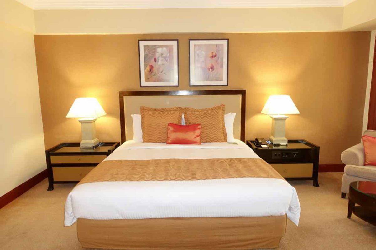 Manila Hotels: Zimmer im Diamond Hotel