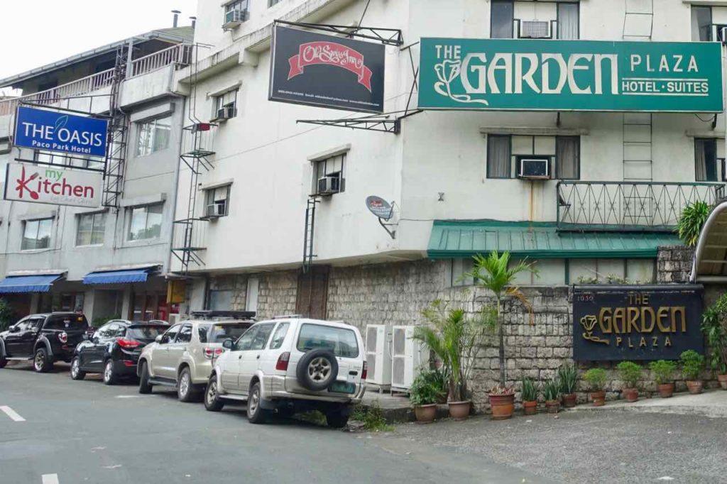 Manila Hotels, Oasis Park Hotel + The Garden Plaza