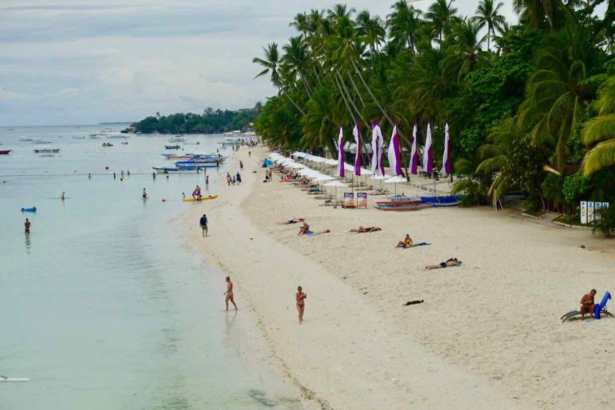 Alona Beach auf Panglao Island Philippinen Foto Peter Pohle PetersTravel