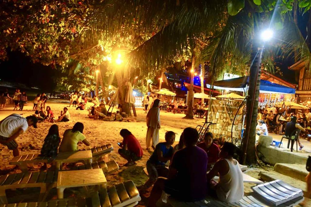Alona Beach auf Panglao Island am Abend, Philippinen Copyright Peter Pohle PetersTravel