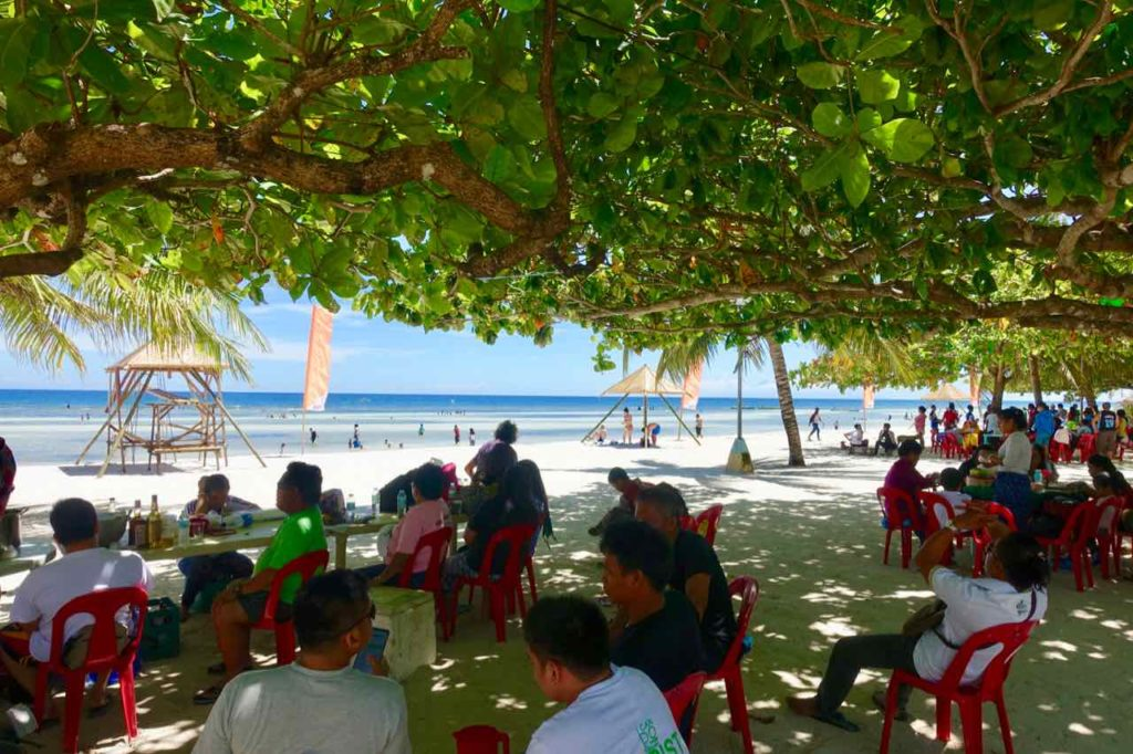 Anda Bohol, Picknick am Wochenende am Quinale Beach, Philippinen Foto Peter Pohle PetersTravel