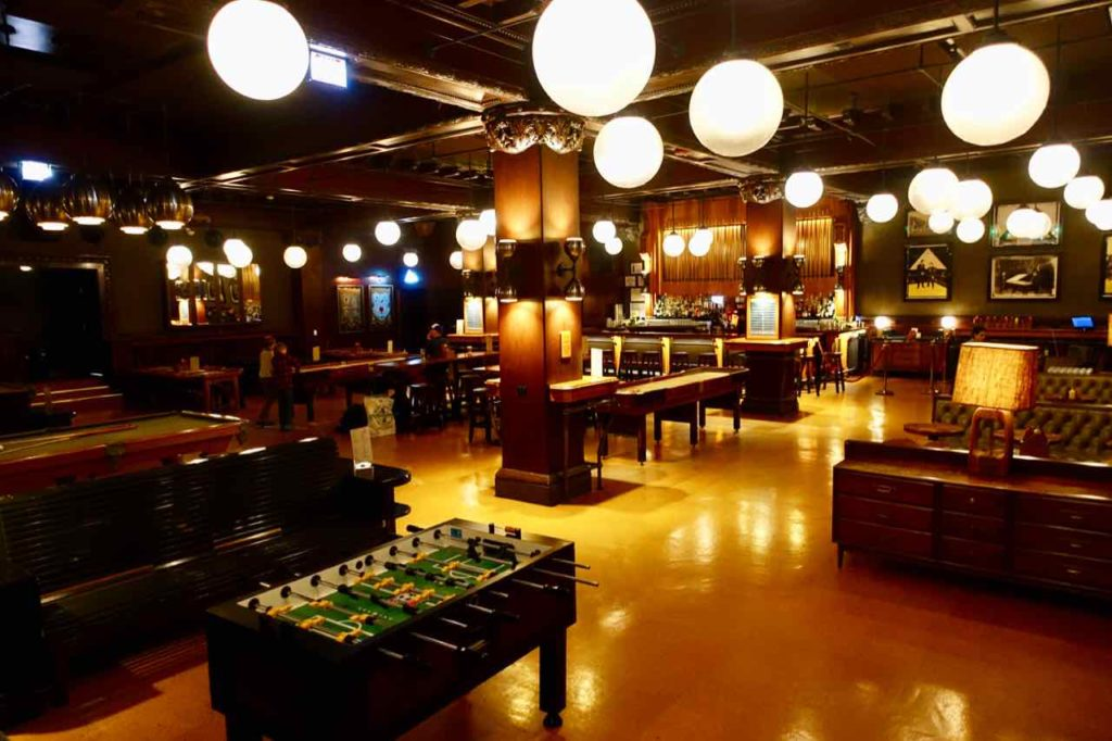 Chicago Greeter Tour: Games Room im Athletic Association Hotel Foto Peter Pohle PetersTravel