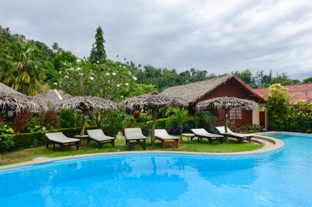 Puerto Galera: Pool vom Oriental Sabang Hill Resort Copyright Peter Pohle PetersTravel