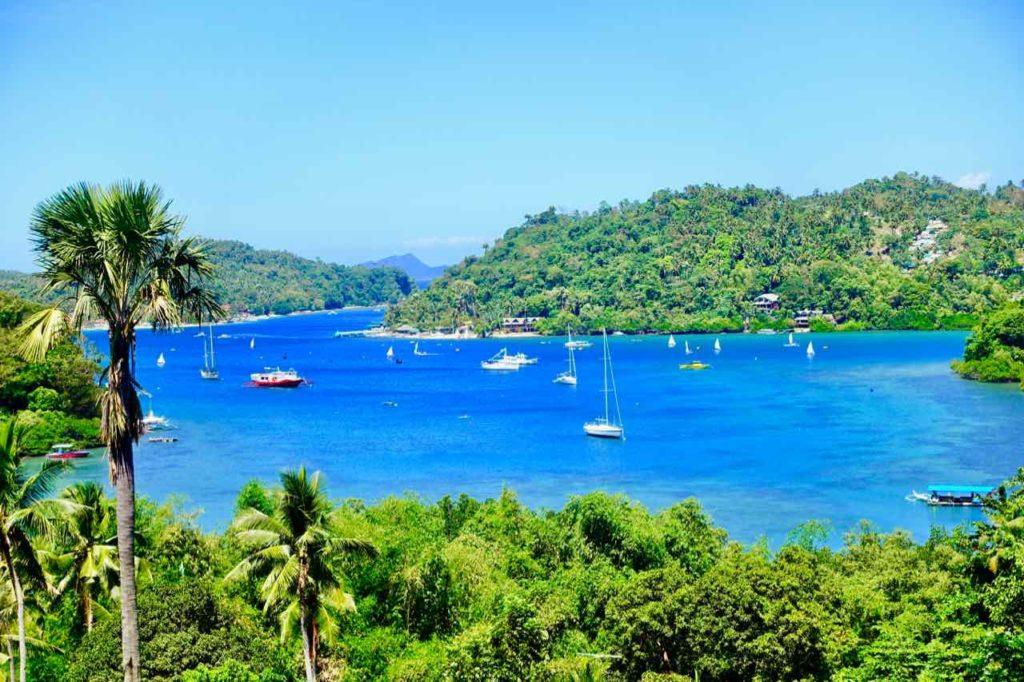 Puerto Galera: Toller Blick von der Viewpoint Bar zur Muelle Bay und Batangas Channel Copyright Peter Pohle