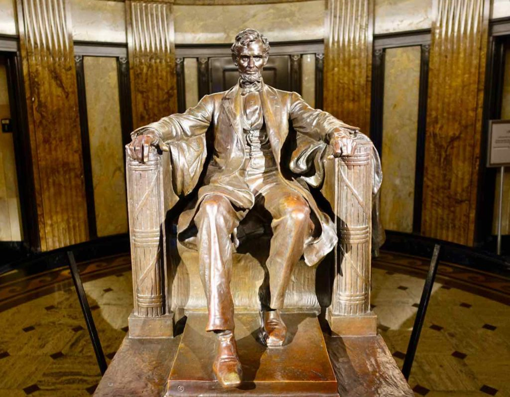 Springfield Illinois:Abraham Lincoln Statue im Mausoleum, Foto Peter Pohle PetersTravel