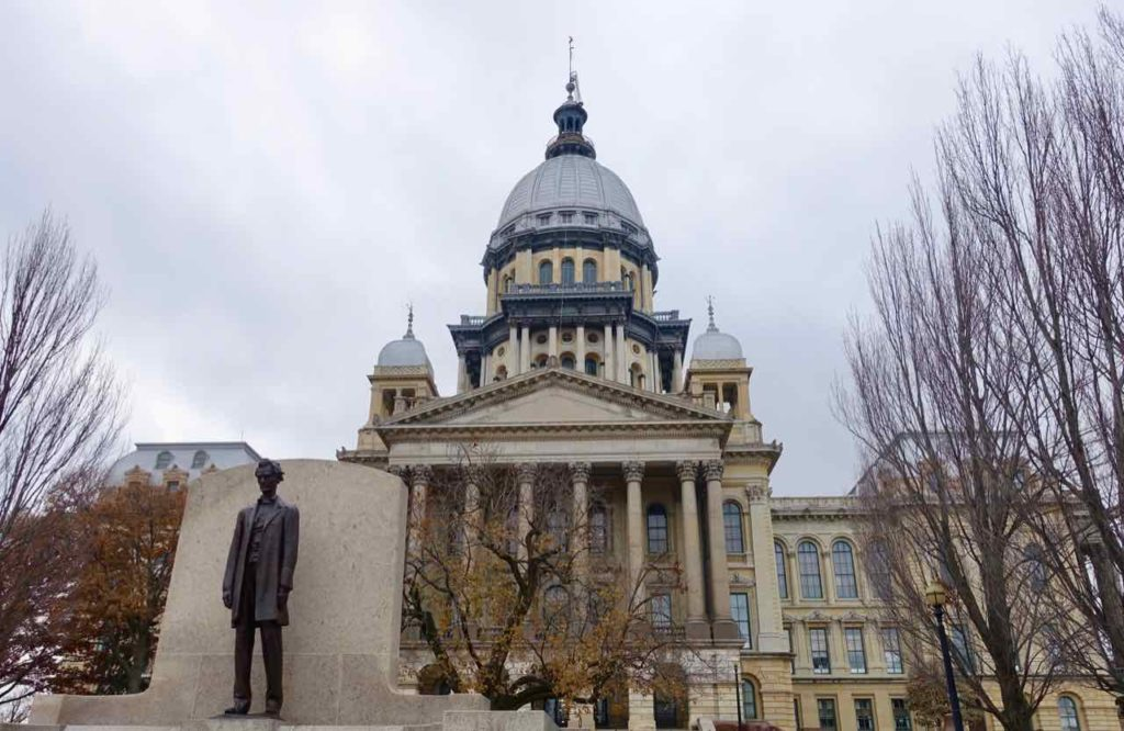 Springfield Illinois: State Capitol mit Abraham Lincoln Statue Foto Peter Pohle PetersTravel