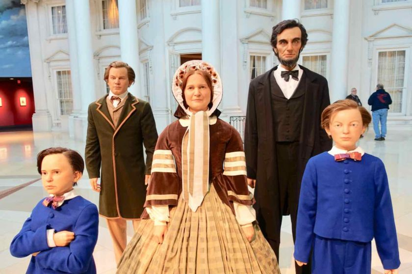 Springfield Illinois, Abraham Lincoln im Kreis seiner Familie, Presidential Library and Museum Titelbild Foto PetersTravel