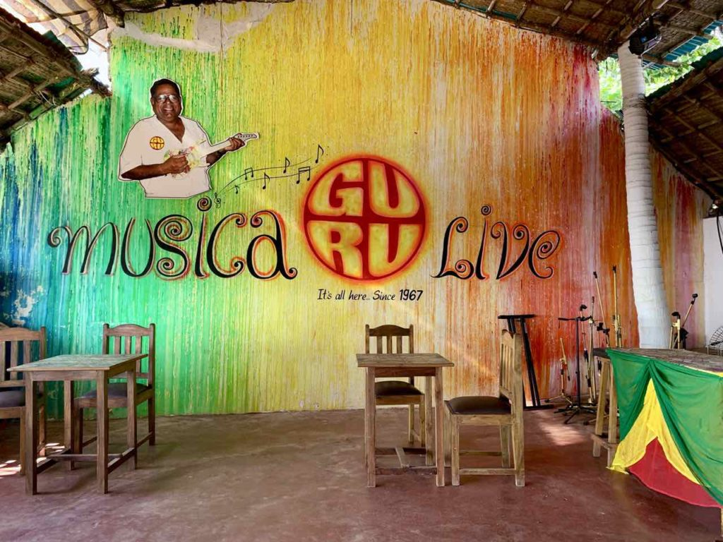 Anjuna Beach in Goa: Guru Bar & Restaurant Copyright Peter Pohle PetersTravel