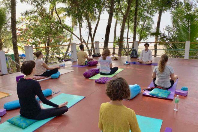 Palolem Beach beim Cozy Nook: Yoga mit Mukti, Copyright Peter Pohle PetersTravel