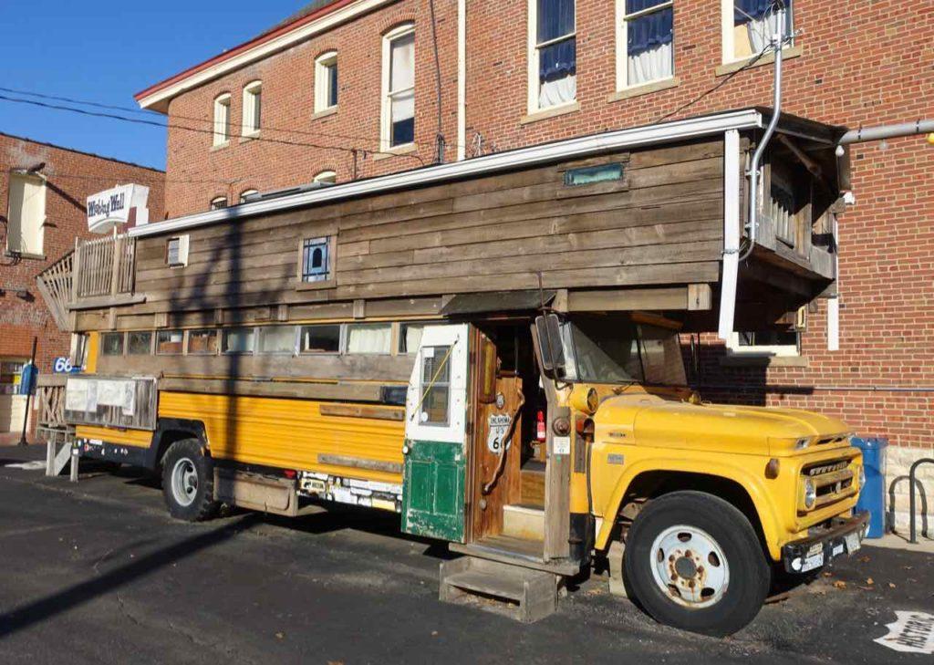 Route 66, Pontiac: Das Zuhause von Route 66-Legende Bob Waldmire. Unterwegs war er allerdings mit seinem VW-Bus. Copyright Peter Pohle PetersTravel