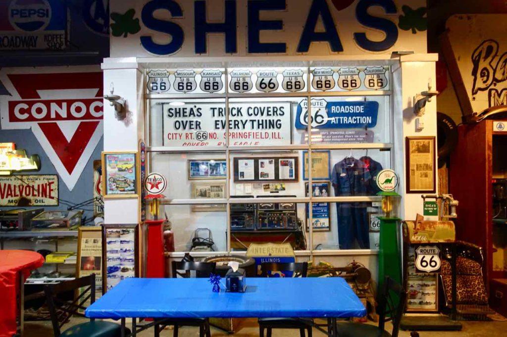Route 66 Springfield Illinois: Motorheads Bar & Grill zeigt viele Erinnerungssstücke zur Route 66