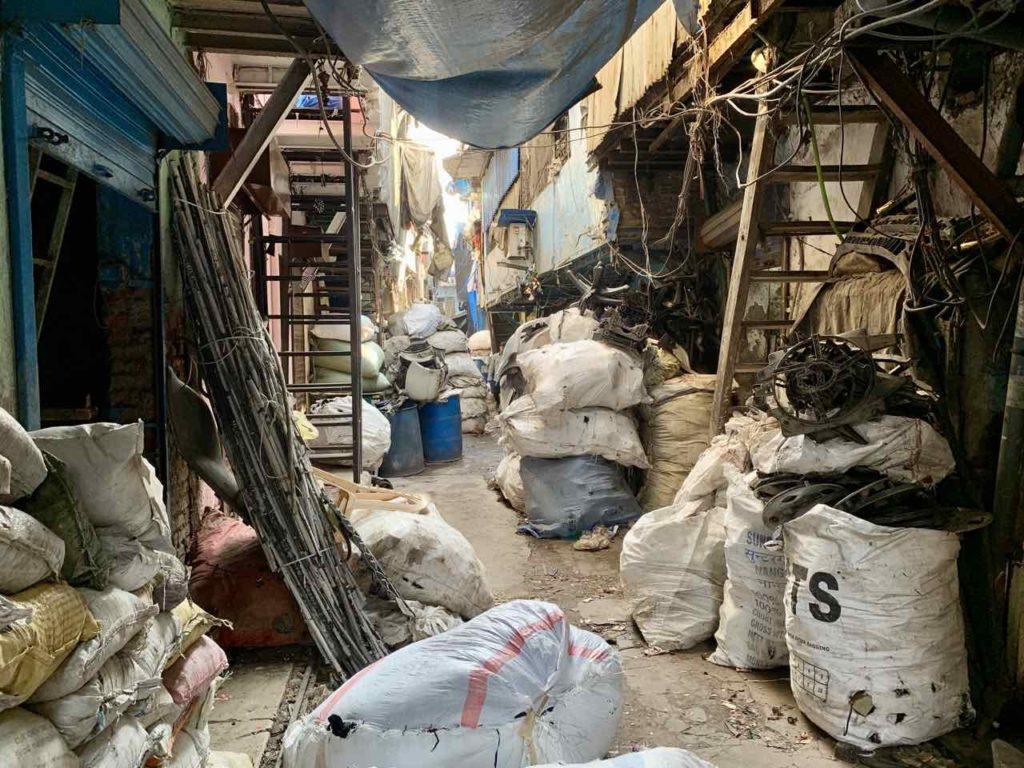 Gasse im Dharavi Slum in Mumbai, Indien Copyright Peter Pohle PetersTravel