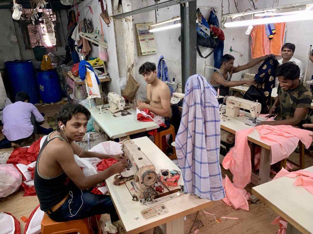 Schneiderwerkstatt  im Dharavi Slum in Mumbai, Copyright PetersTravel