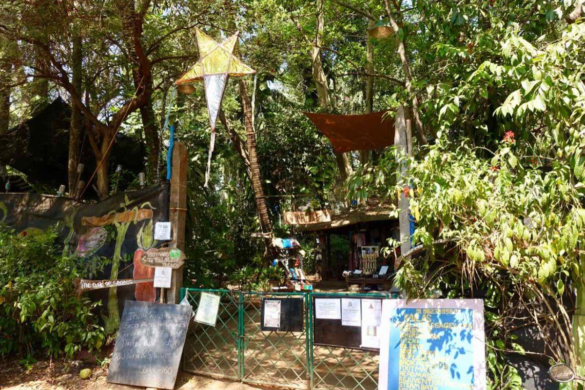 Eingang vom Bhakti Kutir in Palolem, Goa, Copyright Peter Pohle PetersTravel