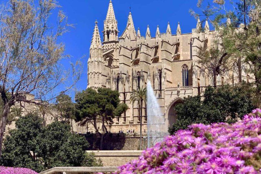 Palma de Mallorca: Kathedrale La Seu Anfang Mai Copyright Peter Pohle PetersTravel