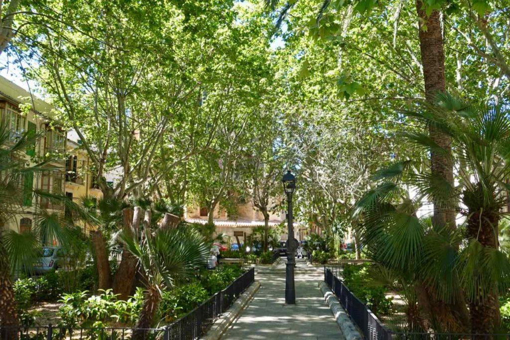 Palma de Mallorca: Plaça de Quadrado Copyright Peter Pohle PetersTravel