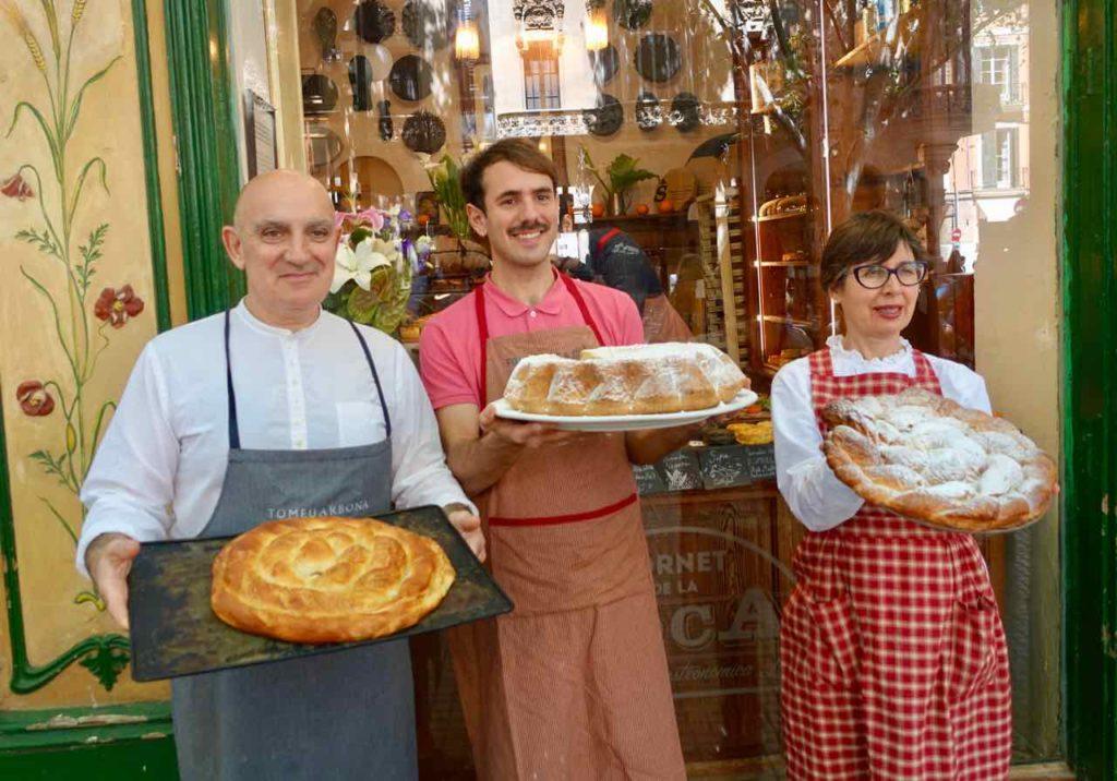 Palmas Traditionsgeschäfte: Bäckerei Forn des Teatre. Eigentümer präsentieren ihre Leckereien