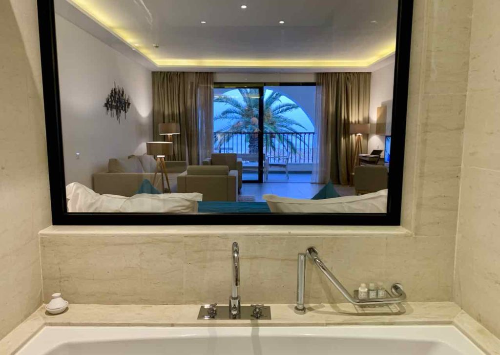Blick aus meinem Bad, Hotel LTI Les Orangers Garden