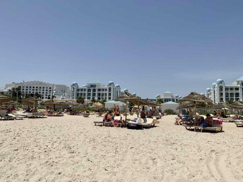 Unterwegs im Norden von Tunesien: Strand von Sousse / Port El Kantaoui
