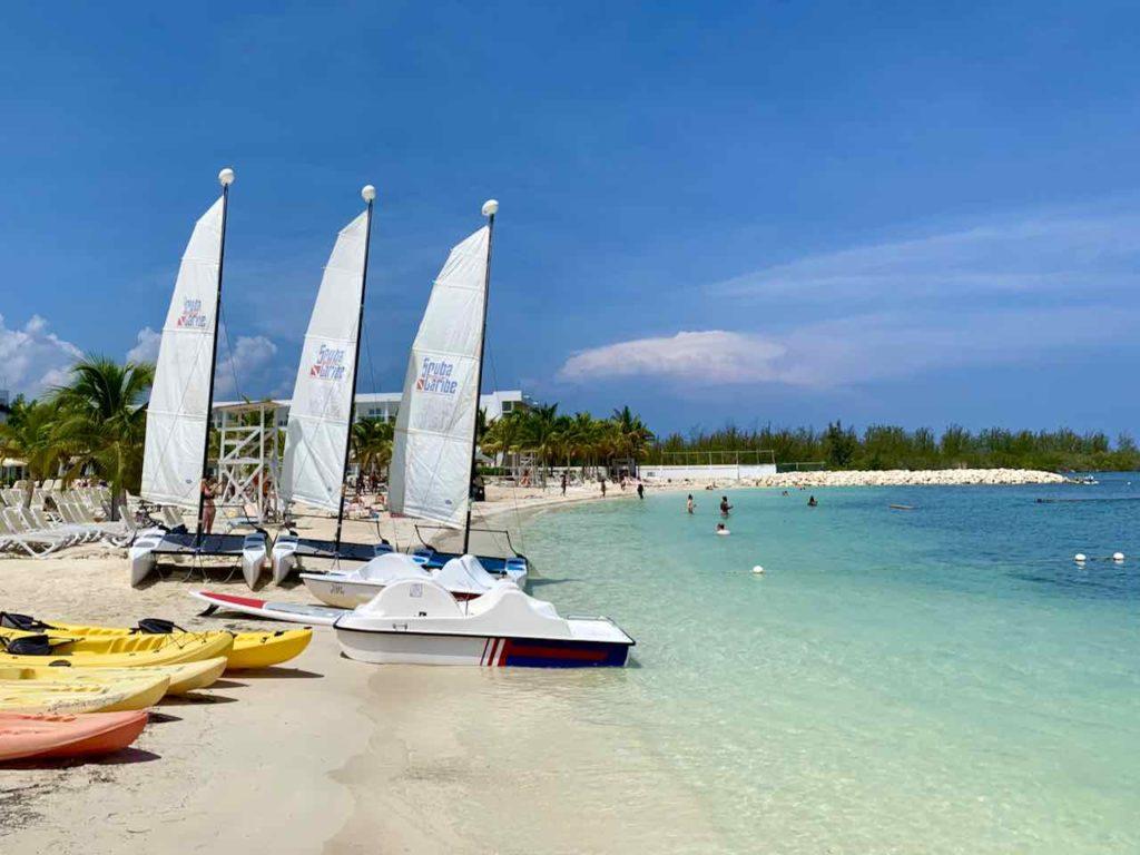 Jamaika Sehenswürdigkeiten: Strand in Montego Bay