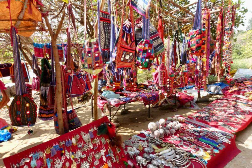 Verkaufsstand in Virupapura Gaddi