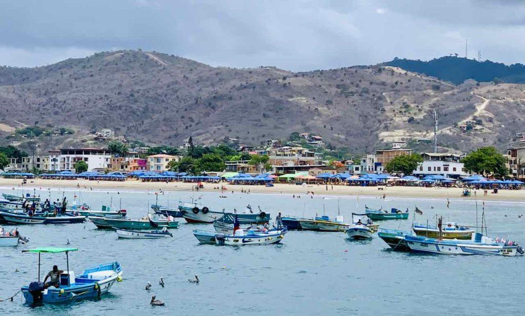 Puerto López mit Ficherbooten