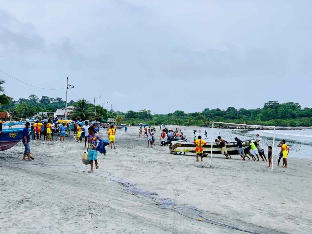 Strand von Mompiche