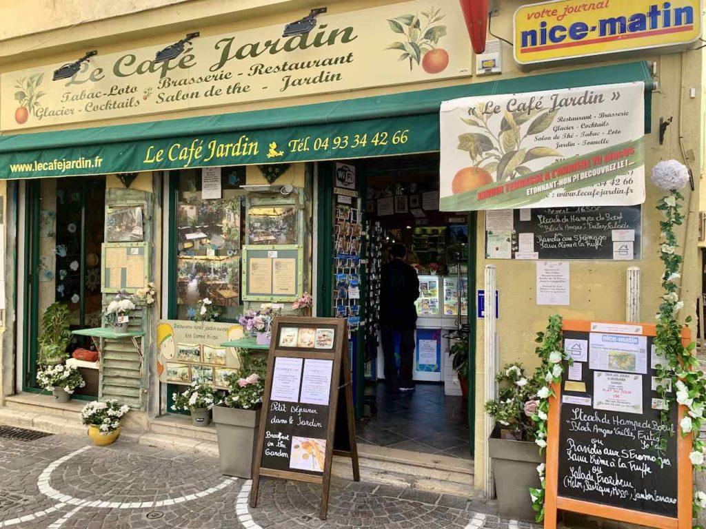 Café in der Altstadt von Antibes