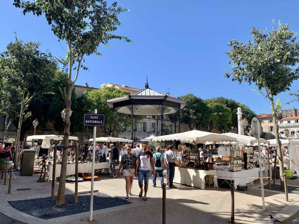 Place Nationale in der Altstadt von Antibes