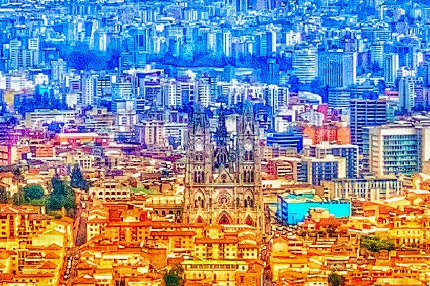 Blick vom El Panecillo auf Quito