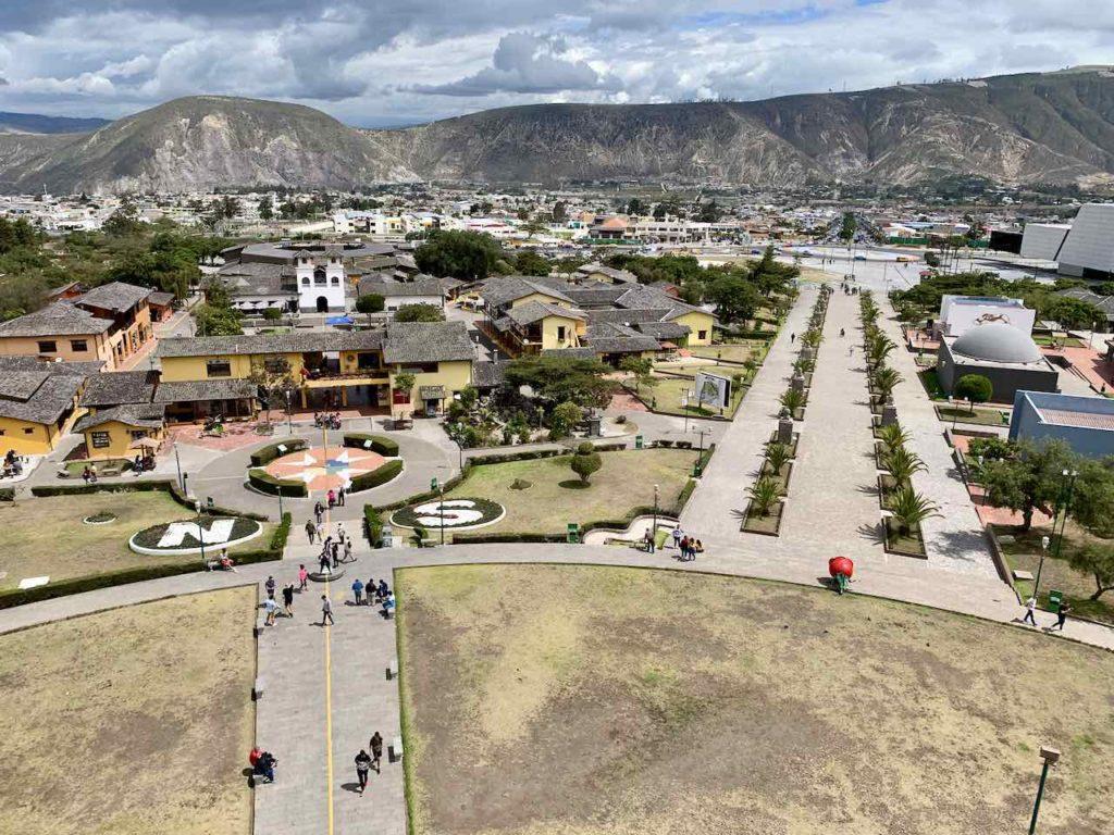Quito, Mitad del Mundo / Äquator