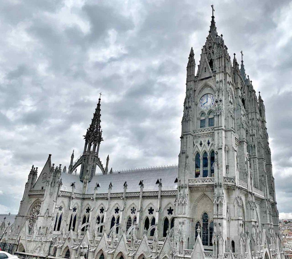 Quito Sehenswürdigkeiten: Basílica del Voto Nacional
