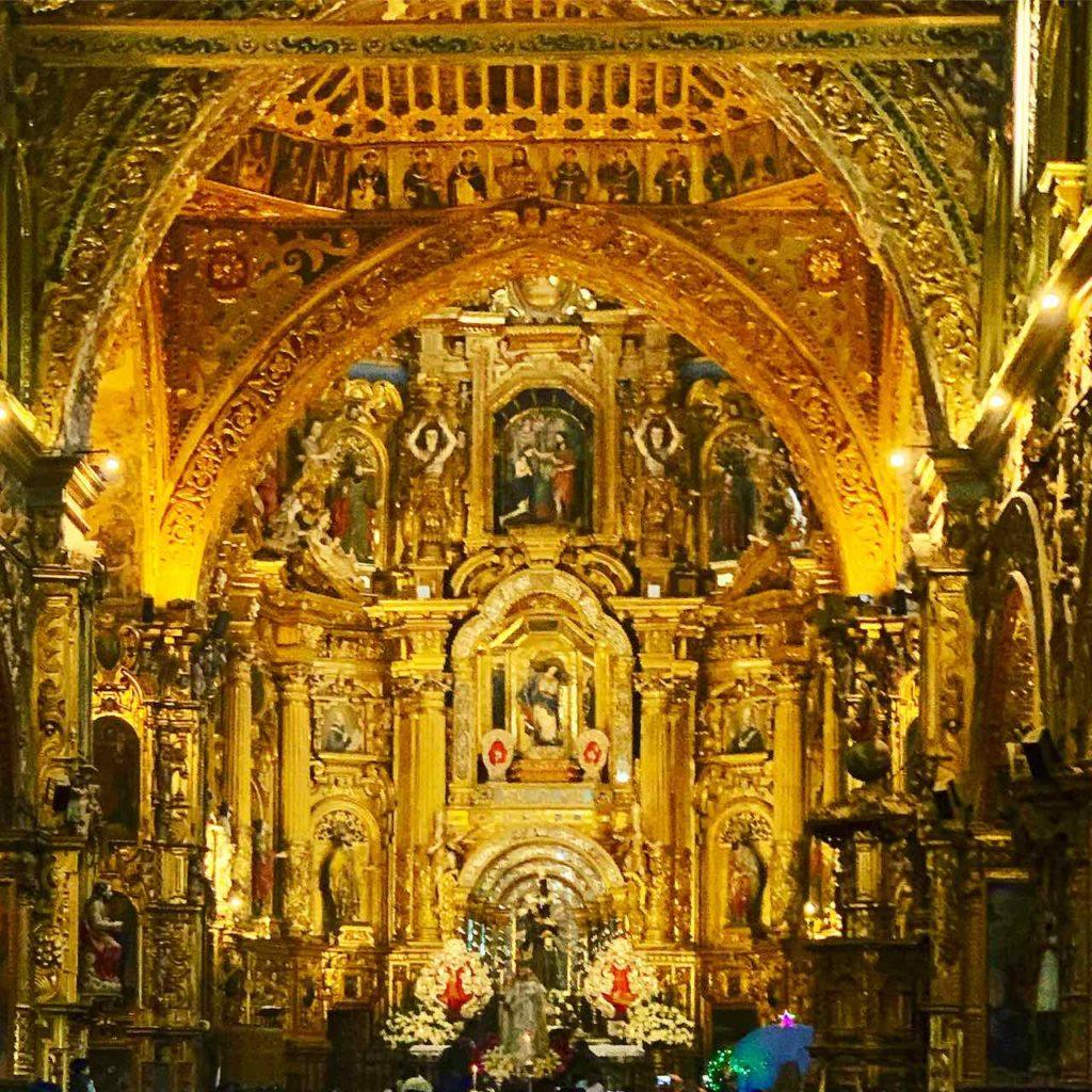 Quito Sehenswürdigkeiten: Innenraum der Basilika San Francisco