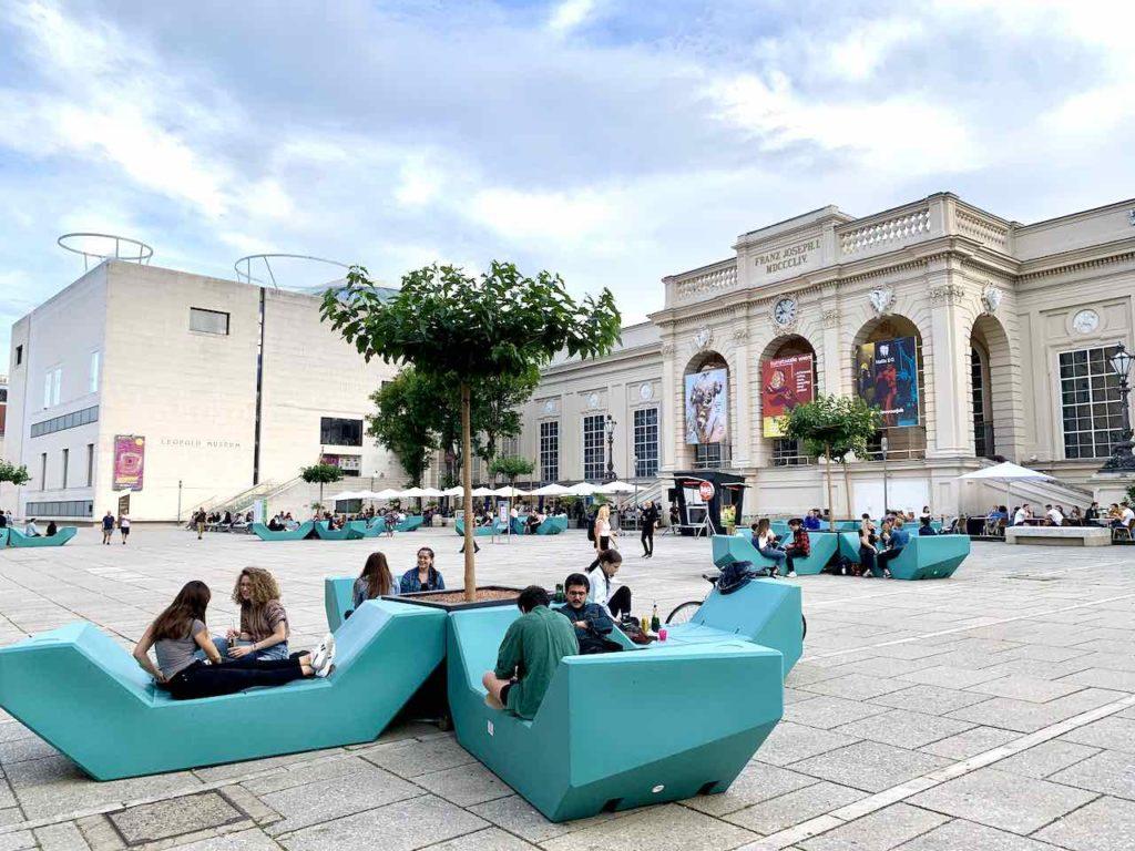 Innenhof vom Museumsquartier Wien