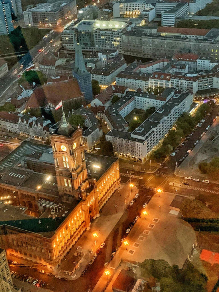 Blick vom Fernsehturm in Berlin - abends